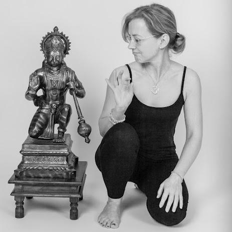 Yoga Lehrerin Sabine Nahler